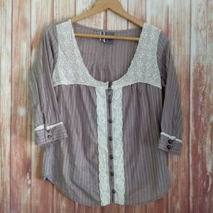 BKE button down scooped neck with lace